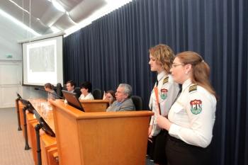 Aptauja: teju 72% Latvijas skolēnu ar dalību konkursos vēlas celt skolas prestižu