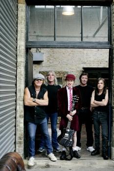 "Grupa ""AC/DC"""
